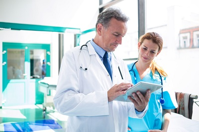 بررسی تک تک معیارها برای هر پزشک