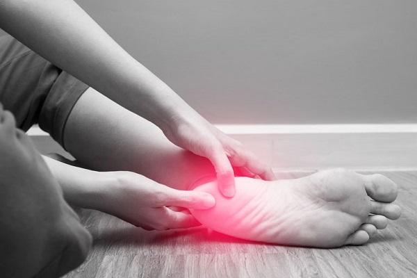 درمان سیاتیک پای چپ چیست؟