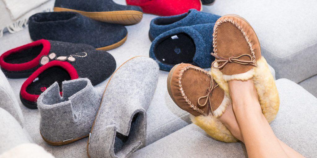 تصاویر کفش های روفرشی طبی و راحتی