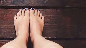 کاهش ورم پا در ماه آخر بارداری