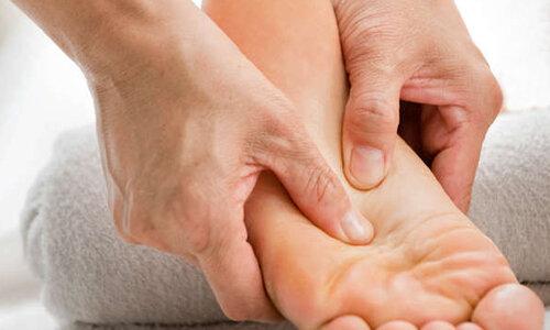علت ورم مچ پا همراه با درد