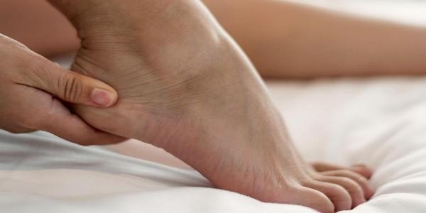 درد پاشنه پا نشانه چیست؟